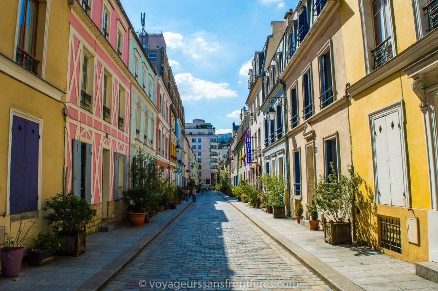 La rue Crémieux - Paris, France