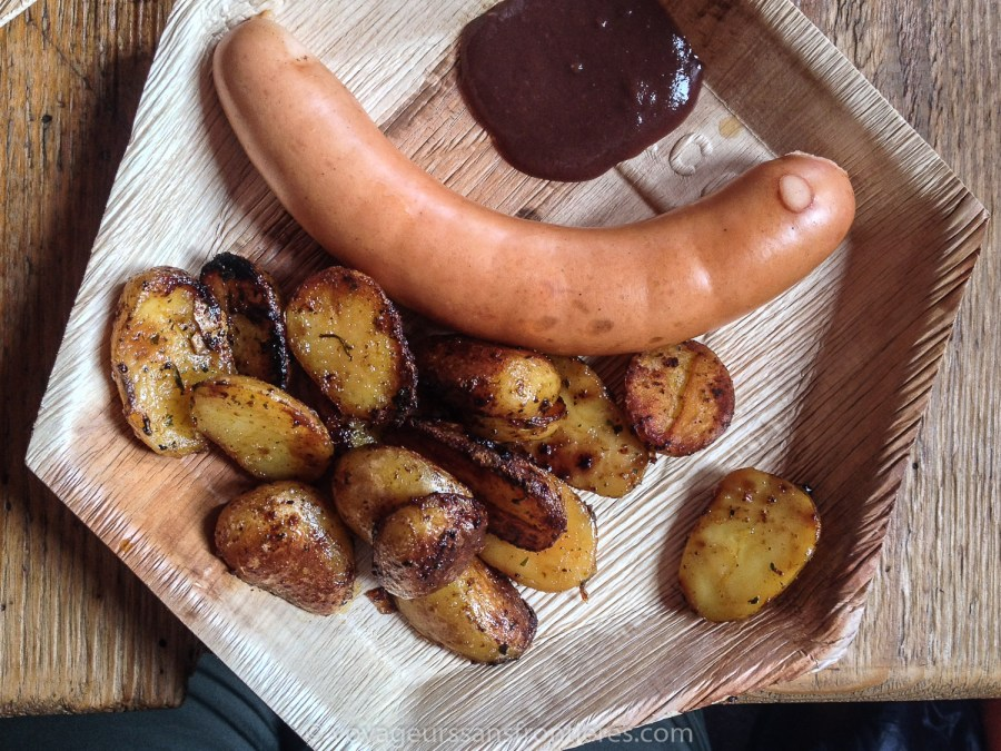 """Schüblig"" sausage from Emmental with Saanen mustard and roasted potatoes at the Refuge de l'Espace - Glacier 3000, Switzerland"