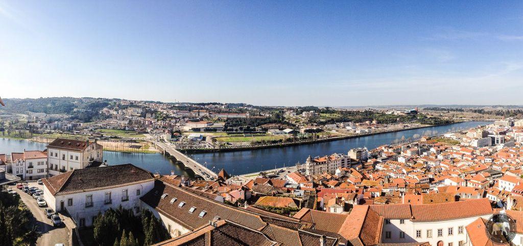 Vue sur le Rio Mondego depuis l'Université de Coimbra - Portugal