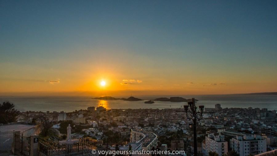 Coucher de soleil depuis Notre- Dame de la Garde - Marseille, France