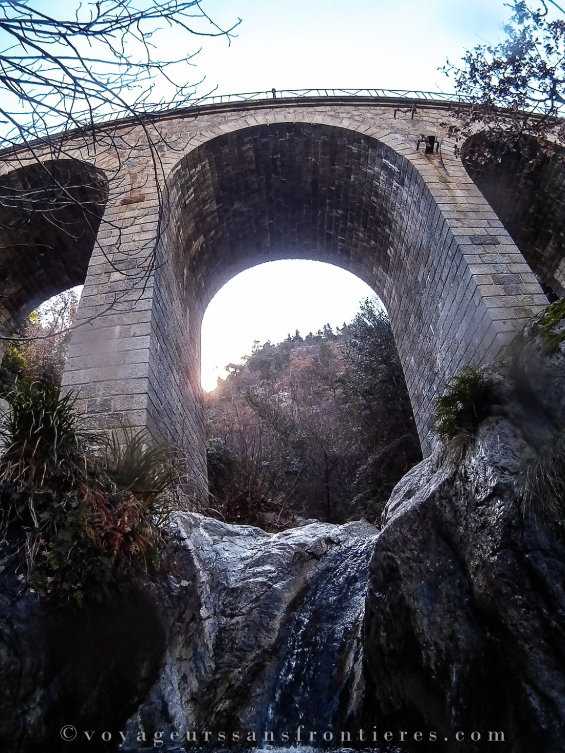 A bridge while canyoning in the Thuès canyon with Oxygen Aventure - Pyrenees, France