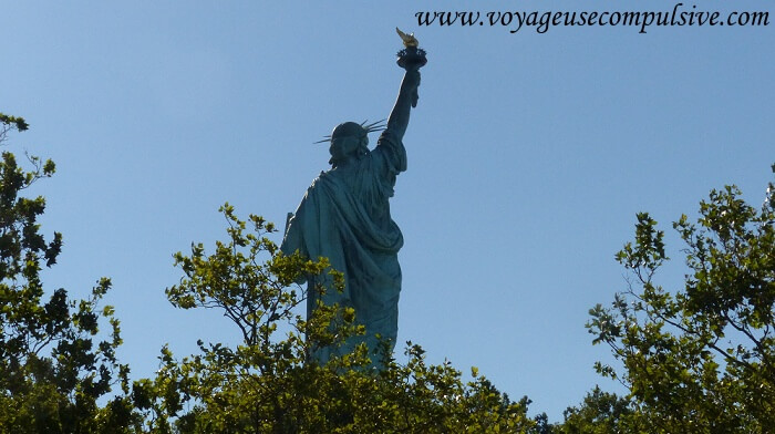 Vue de dos de la statue de la liberté