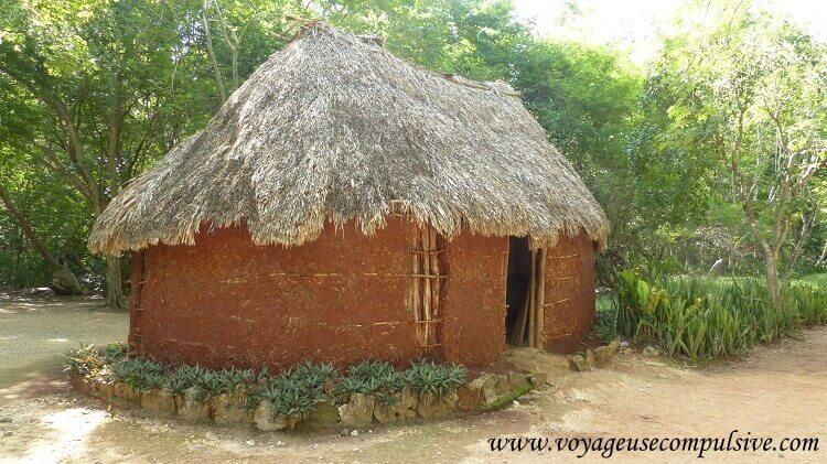 Une petite cabane Mayas à Chichen Itzá