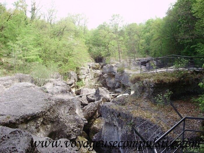 Visite des Gorges du Fier qui se trouvent à 10 kilomètres du centre ville d'Annecy.
