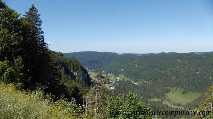 Vue sur la vallée depuis la col de la Faucille.