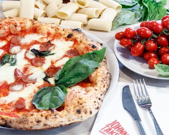 πίτσα στην Νάπολη