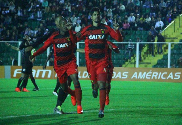 Fora de casa, Sport empata com Figueirense e termina primeiro turno na metade da tabela do Brasileirão