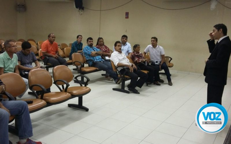 Juiz eleitoral de Carpina, realiza reunião com representantes de coligações