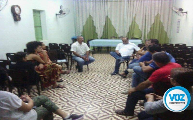 Reunião discute maus tratos à animais em Carpina