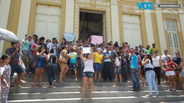 Após protestos em Paudalho, transporte deve ser normalizado na segunda (7)