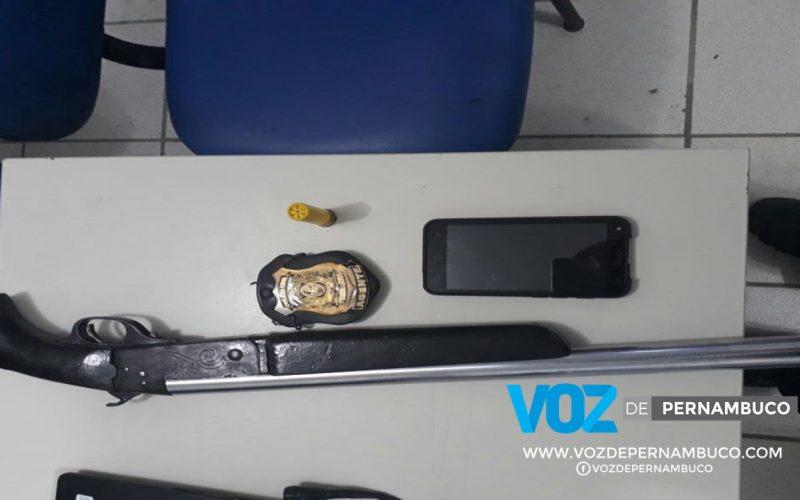 Arma é apreendida com taxista em Nazaré da Mata