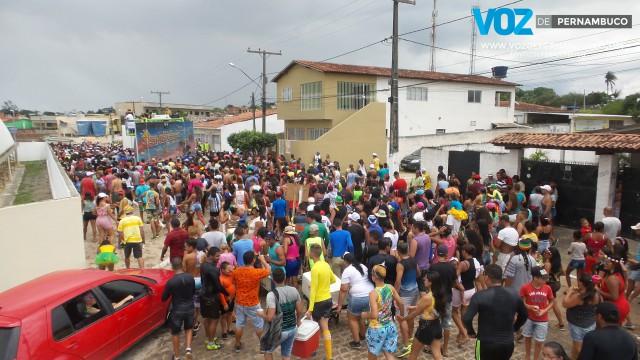 Bloco Ceasinha lotou ruas na segunda de carnaval em Lagoa do Carro
