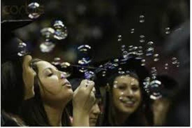 Burbuja universitaria – Facultad de Economía y Negocios