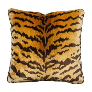 Artemeisa Pillow - VRAI Magazine