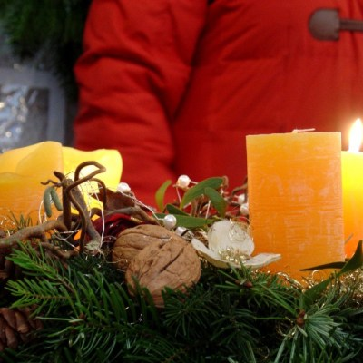 Passau: Advent Wreath Making Class - VRAI Magazine
