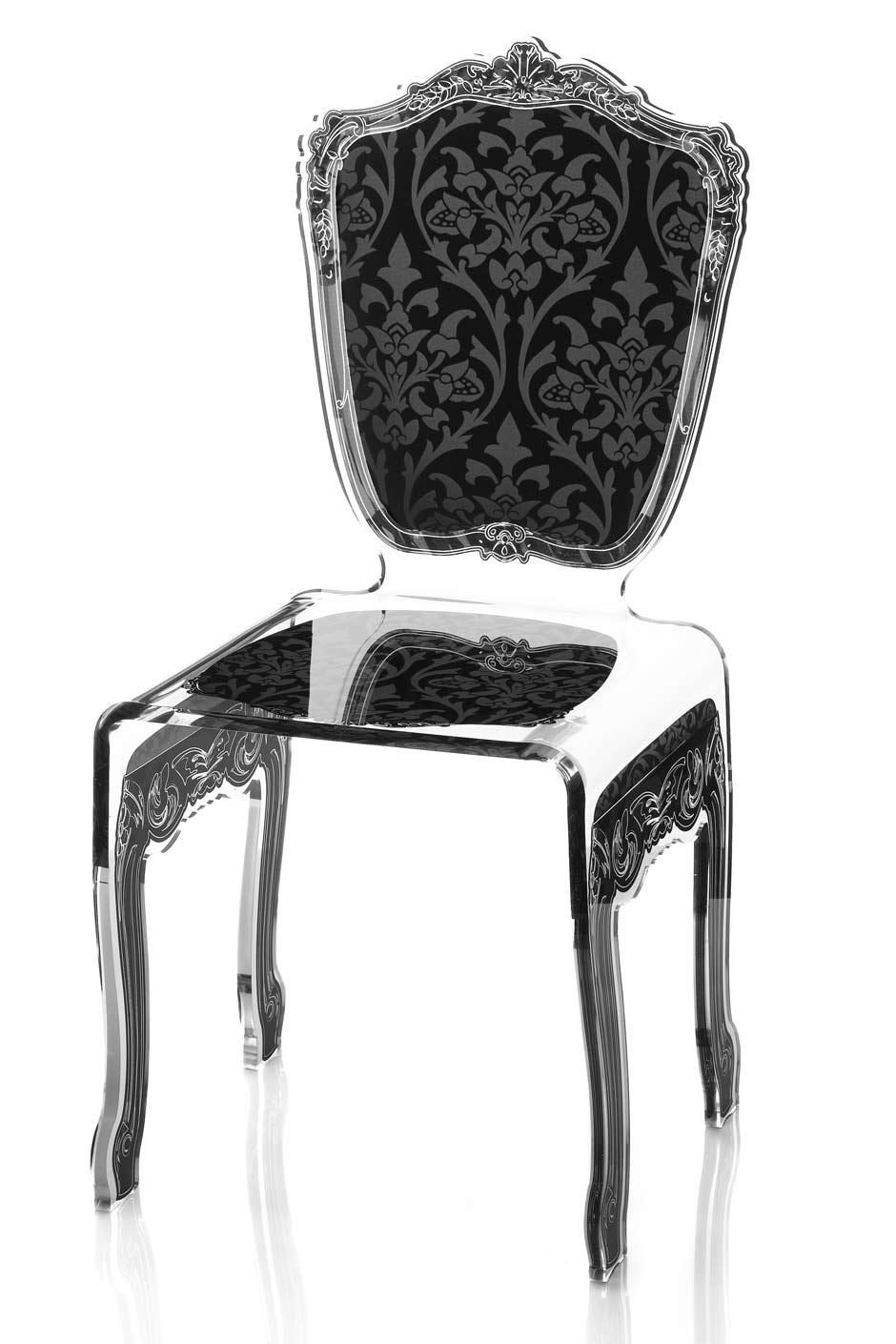 chaise a motif serigraphie baroque et tissu damasse noir