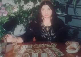 Vrajitoarea Mercedeza din Craiova cu cartile de tarot