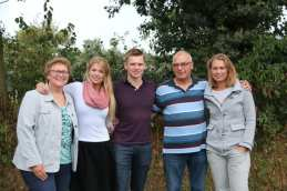 Wiesje, Alanda, Johan, Tinus en Carine