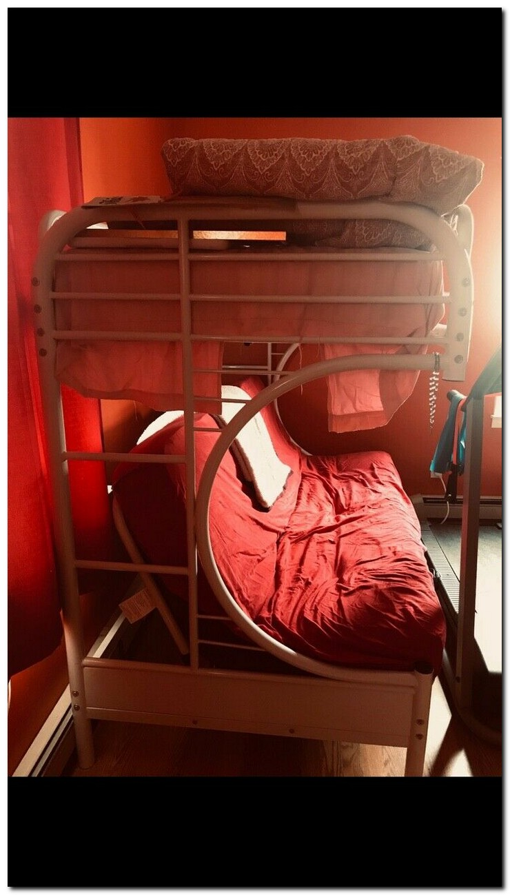Safe steps to take when you have bunk beds for kids 30