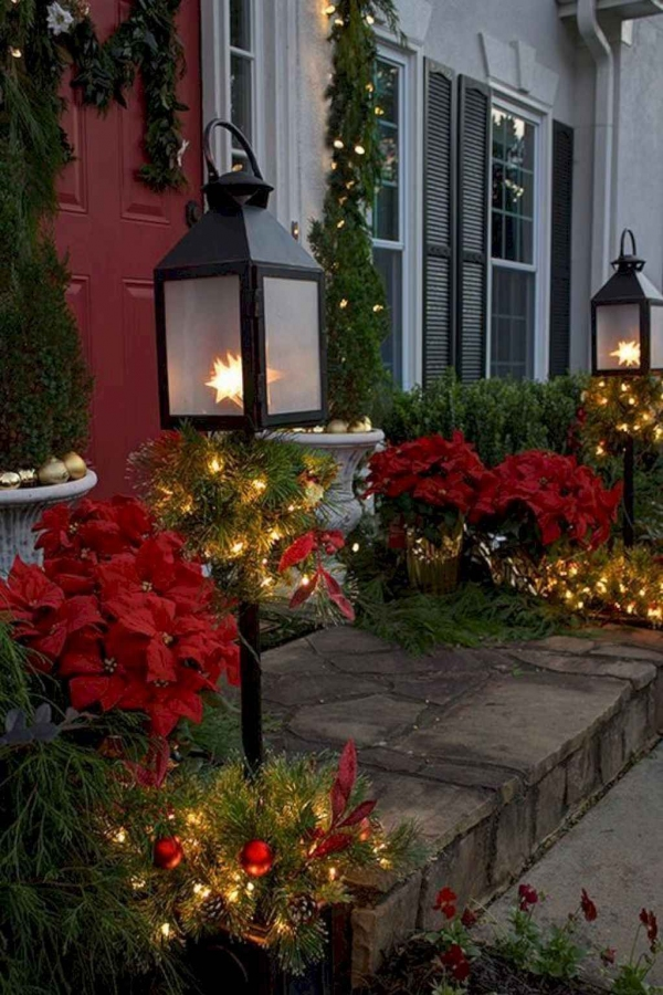 79 Beautiful Farmhouse Front Porches Decorating Ideas-3968