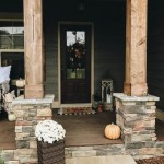 79 Beautiful Farmhouse Front Porches Decorating Ideas-4008