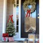 79 Beautiful Farmhouse Front Porches Decorating Ideas-4012