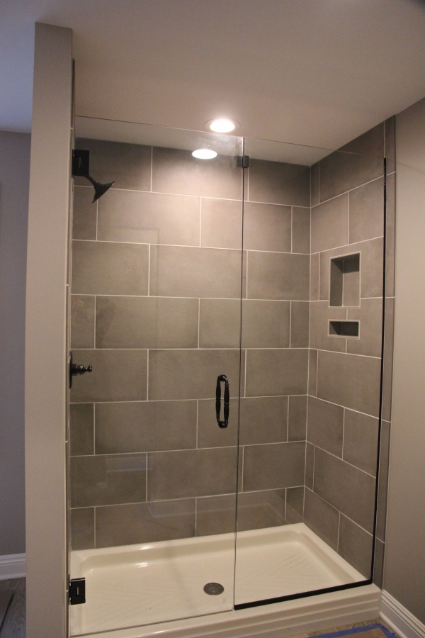 99 Beautiful Bathroom Shower Decoration - Look at them-3646