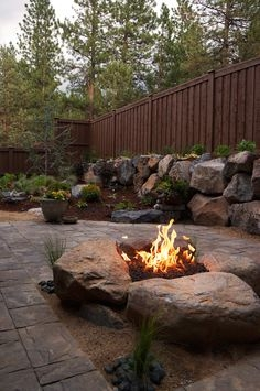 37 Most Popular Backyard Fire Pits Design Ideas- A Perfect Way to Entertain Guests 7071