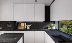 Beautifull Totally Modern Black and White Kitchen