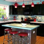 Tips For Creating Beautiful Black Or White Retro Themed Kitchens 10