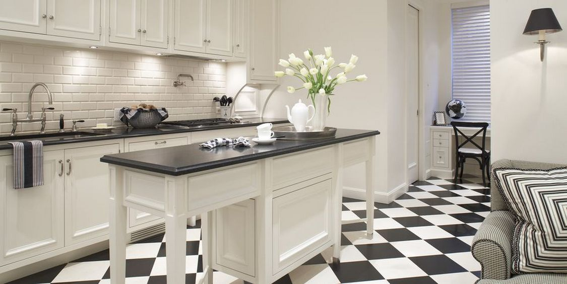 Tips For Creating Beautiful Black Or White Retro Themed Kitchens 29