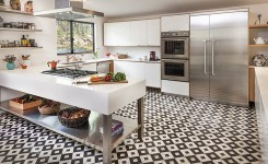 Tips For Creating Beautiful Black Or White Retro Themed Kitchens 35