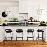 Tips For Creating Beautiful Black Or White Retro Themed Kitchens 44
