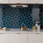 Tips For Creating Beautiful Black Or White Retro Themed Kitchens 5