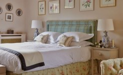 Tips For Decorating A Small Bedroom For A Young Girl 14