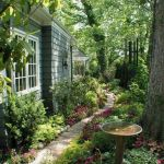 91 Small Backyard Landscape Decoration Models Are Simple And Look Creative 57
