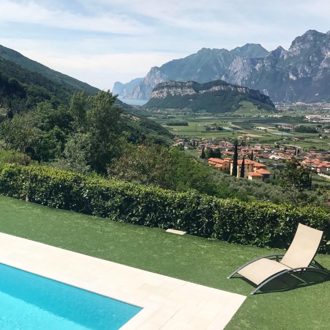 Uitzicht op het Gardameer vanaf Casa Velo