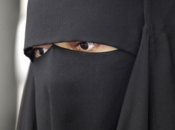 250 euros for spotted, reported and arrested burqa
