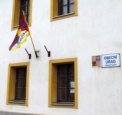 Tibetská vlajka na úřadě