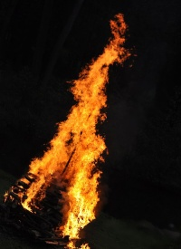 loňský oheň na všestudském pálení čarodějnic