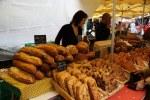 Хлеб на рынке во Франции
