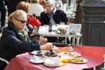 В кафе у рынка Меркат