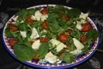 Салат из вяленых помидоров и козьего сыра