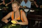 Учусь чистить манго по-вьетнамски