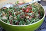 Салат из белой фасоли с беконом