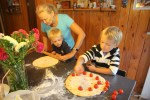 Филипп и Даня готовят фокаччу