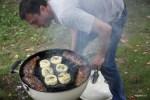 Юра жарит стейки и сыр проволоне