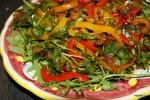 Салат из жареного перца с золотым изюмом