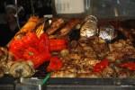 На рынок в Монтевидео приходят есть мясо. Уругвай