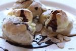 Аргентинские профитроли с мороженым в ресторане Vistalba Мендоса, Аргентина